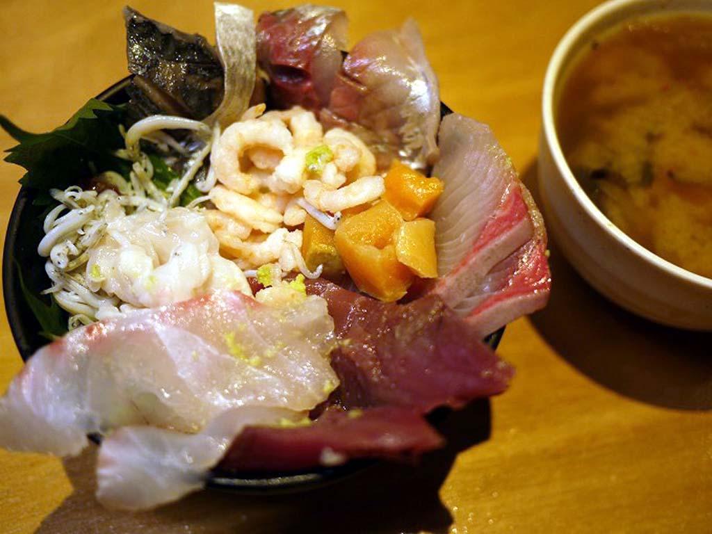 羽田市場食堂